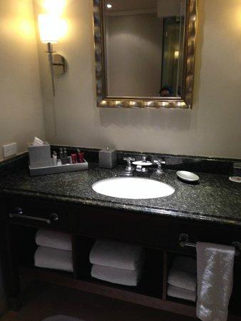 San Juan Marriott Resort & Stellaris Casino: bath