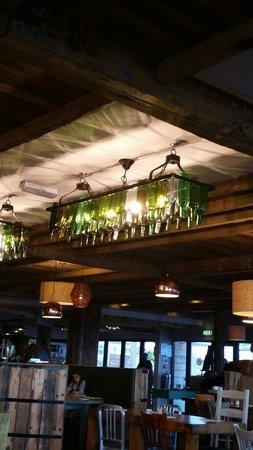 South Beach Cafe: Querky lights
