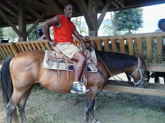 Massanutten Resort : house back riding