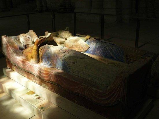 Abbaye Royale de Fontevraud : Luci e ombre