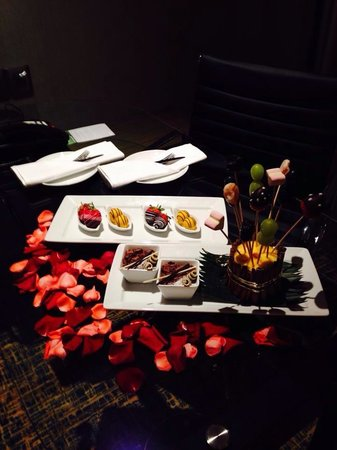 Renaissance Johor Bahru Hotel: A lovely surprise by hotel for my wedding anniversary