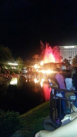 The Mirage Hotel & Casino: Volcano!