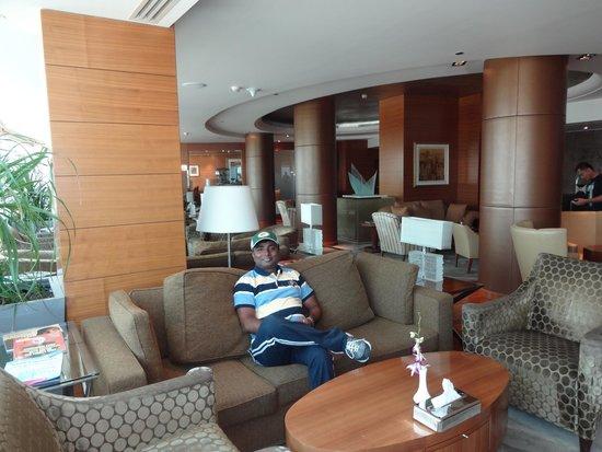 Movenpick Hotel Al Khobar : Break fast Lobby..