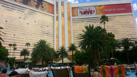 The Mirage Hotel & Casino: Looking at the hotel from the pool