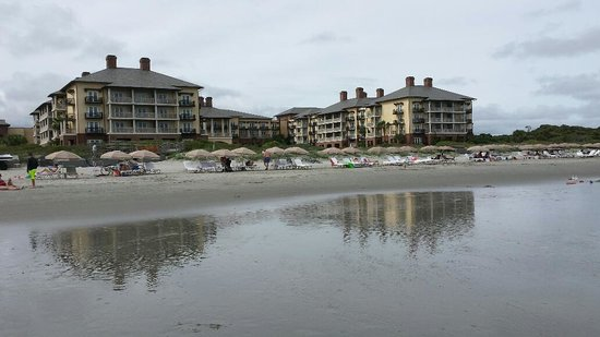 The Sanctuary Hotel at Kiawah Island Golf Resort: View of the Sanctuary from the beach
