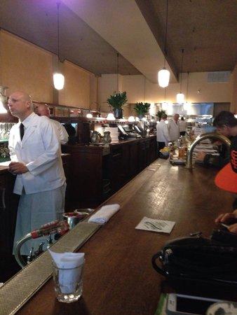 Tadich Grill: The Bar