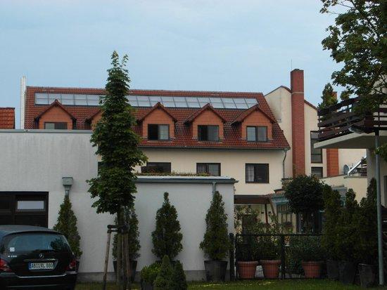 Ringhotel Zum Stein: Back view of hotel