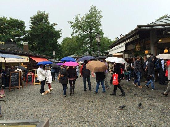 Radius Tours : Outdoor market at Marienplatz