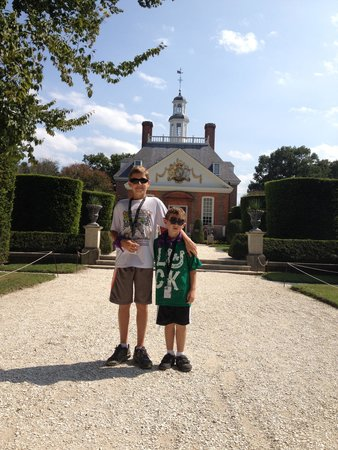 Colonial Williamsburg : In the gardens at the Governor's Palace