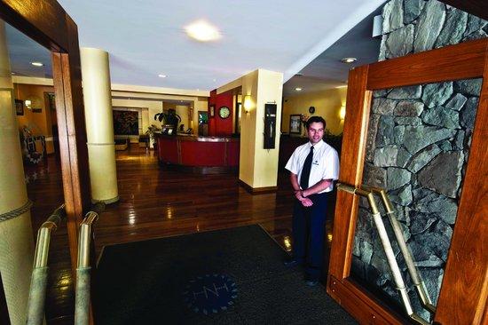 Hotel Nahuel Huapi: Lobby y sala de estar