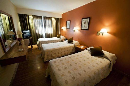 Hotel Nahuel Huapi: Triple twin
