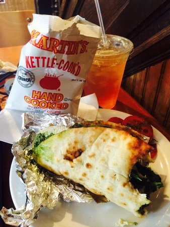 Ragged Edge Coffee House : Pesto chicken pita with mint green iced tea..perfect.