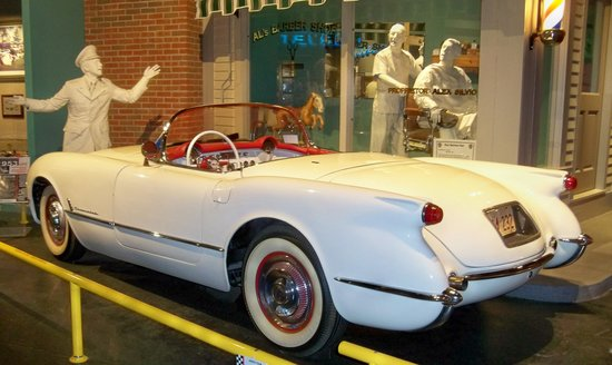 National Corvette Museum : Beautifully maintained classic.