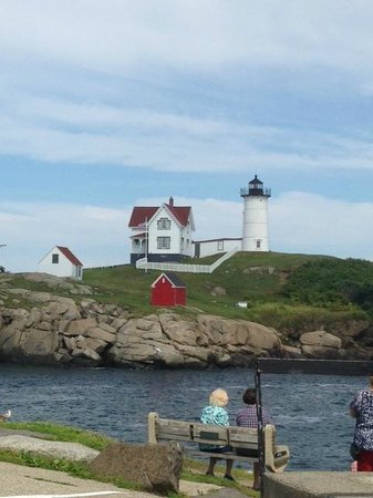 Cape Neddick Nubble Lighthouse: Picturesque