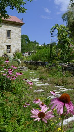 Prince Edward County, Canada : The mill and garden