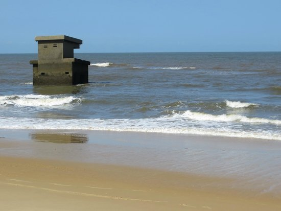 Xefina Pequena: Old gun emplacement being reclaimed by the sea