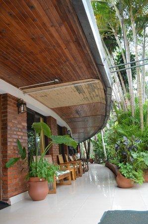 Hotel Tropical: fachada del hotel