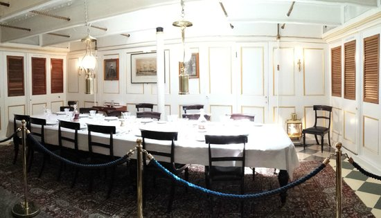 HMS Warrior 1860 : Officers mess