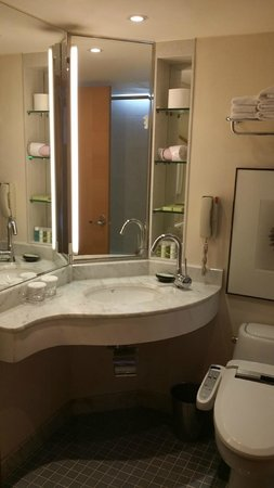 The Westin Chosun Busan: Bathroom