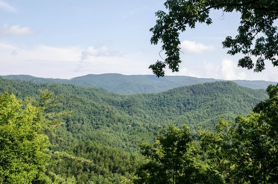 Gatlinburg Falls Resort: The view from our cabin - Angel's View