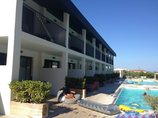 Aqua Bay Hotel: The ground floor rooms