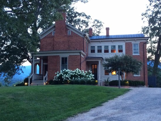 The Inn at Mount Vernon Farm: Exterior