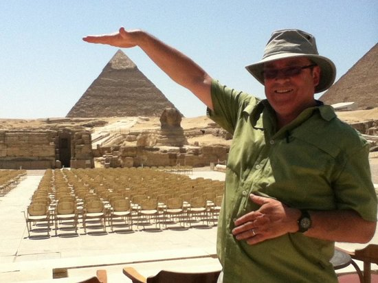 Pyramids of Giza: Gee, I always thought these things were much bigger!