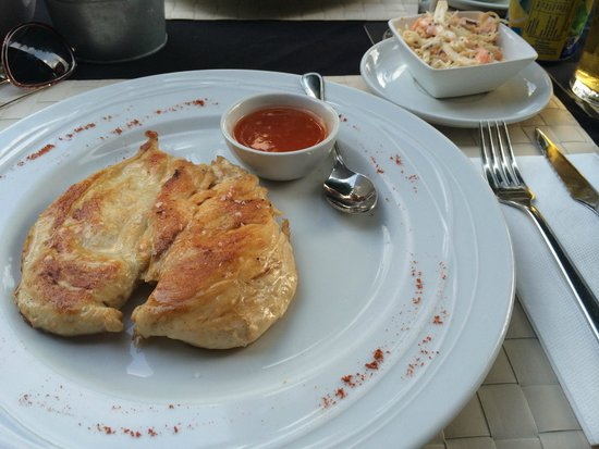 Croc's Bistro: Chicken breast, coleslaw & sweet chilli sauce