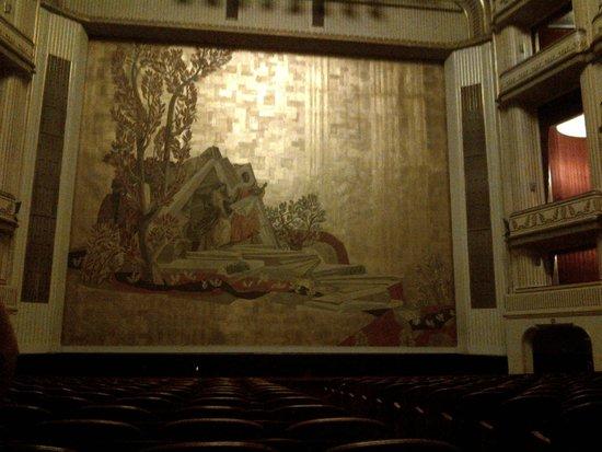 State Opera House : il palco visto dalla platea