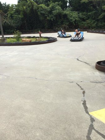 Raccoon Mountain RV Park and Campground : Riding go carts at the campground