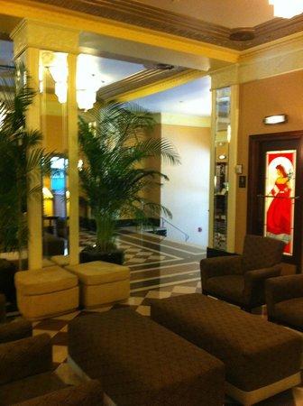 Ambassador Hotel: Great lobby