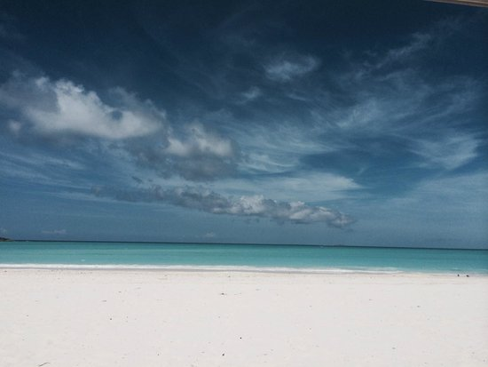 Sandals Emerald Bay Golf, Tennis and Spa Resort: Another perfect day at the beach