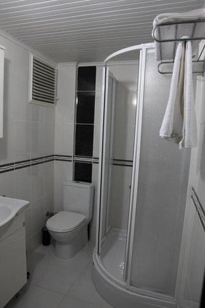 Hotel Ave Maria: duşa kabin