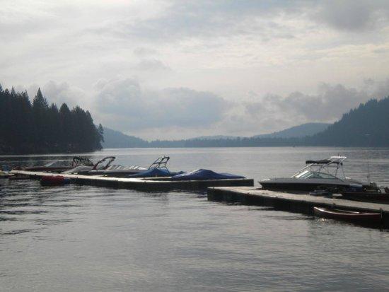 Donner Lake Village: Donner Lake