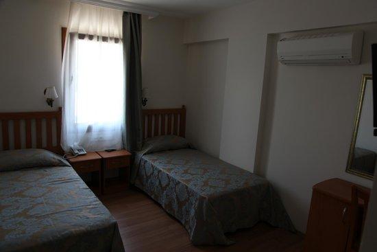 Hotel Ave Maria: twin oda