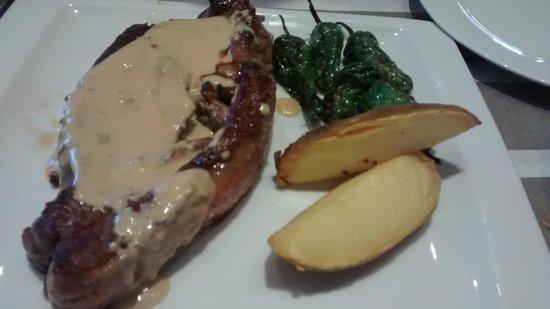 Restaurante Melanosporum: Taco de vacuno a la plancha con salsa de Roquefort