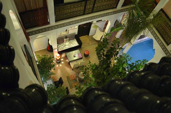Palais Riad Azukar: Le patio vu de la terrasse