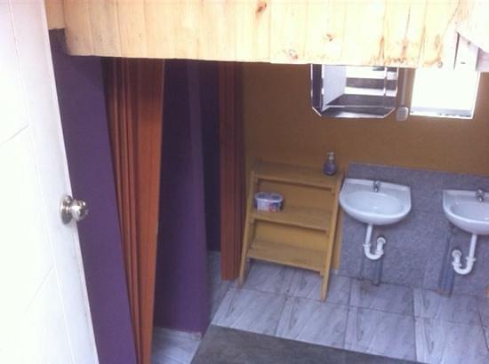 Condor`s House : washroom
