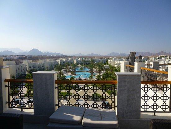 Le Royal Holiday Resort: View from Sky Bar