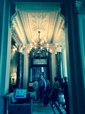 The Grand Brighton: The hall going into the restaurant