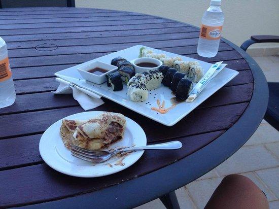 Live Aqua Beach Resort Cancun: Sushi and crepe