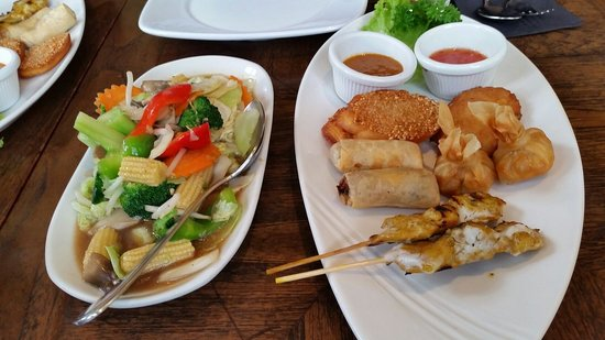 Thai Square Hanover Square: Mixed starter and piquant vegetables