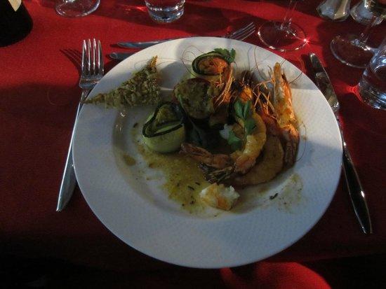 Bateaux Mouches: Five Course Dinner