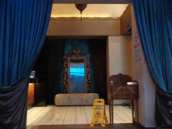 Tulip By Molton Hotels: Hall d'entrée