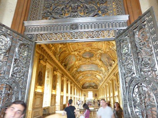 Musée du Louvre : One of the hallways