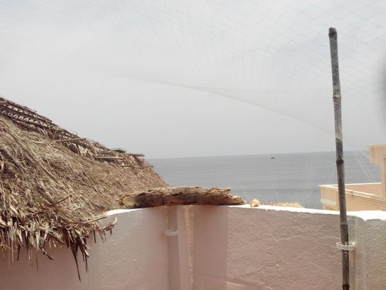 L'Escale: Nice View of Sea From Terrace