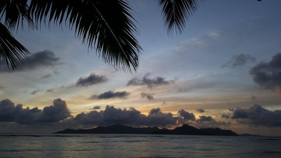 La Digue Island Lodge : Sunset from room balcony