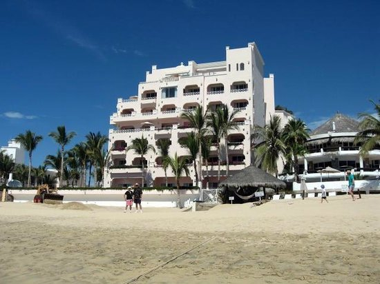 Front of Pueblo Bonito Rose from the beach