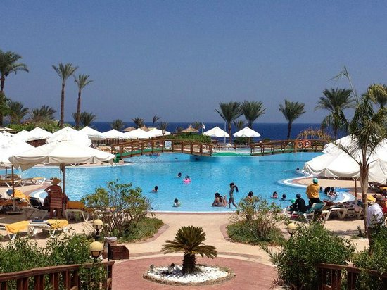 SunConnect Sunrise Diamond Resort: piscina centrale