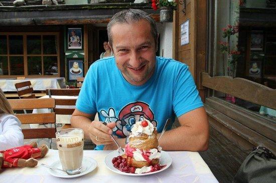 Gasthaus Café Graflhöhe Windbeutelbaron: Der Windbeutel, richtig lecker.